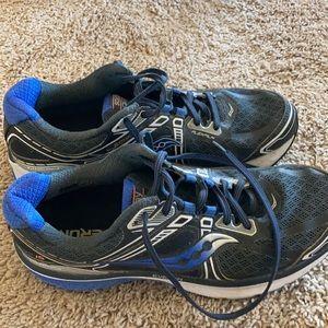 Saucing Men's EVERUN Running shoes.